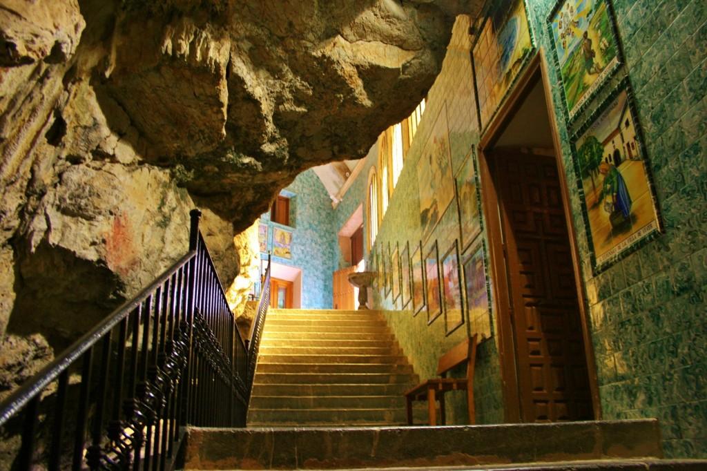 Autor: Francisco Jose Rios. Título: Santuario de la Cueva Santa.Altura.Castellon.