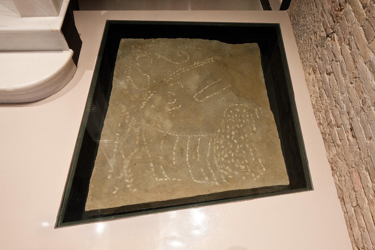 El trozo conservado de suelo más antiguo de Valencia. Fuente: carohotel.com