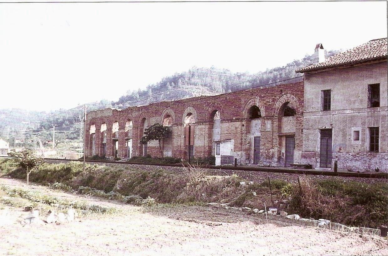 1987. Restos de la estación de Xativa de la linea a Alcoi. Fuente: http://juanansoler.blogspot.com.es/