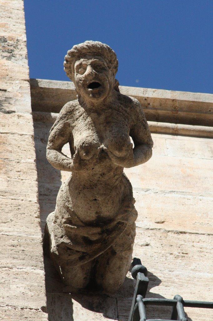 Gárgola de la Catedral de Valencia. Fuente: lugaresconhistoria.com