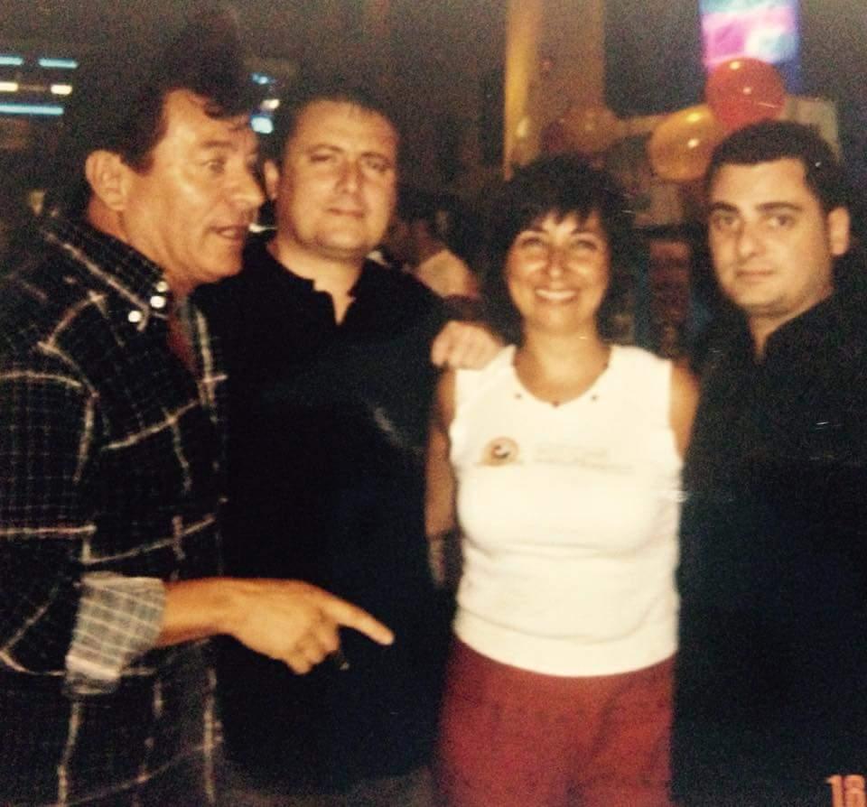 Isabel, Alfonso Aguado ,Javier Vila y Emilio Solo en el Pub Hemi. Foto cedida por Emilio Solo.