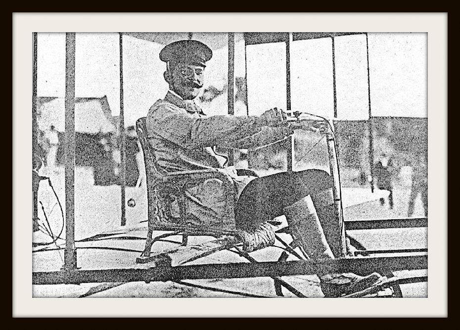"""1909.- """"Juan Olivert Serra"""", autor de la construcción y vuelo en Paterna (Valencia) el 5 de septiembre de 1909 del """"Aeroplano Olivert"""". Fuente: causaras.blogspot.com"""