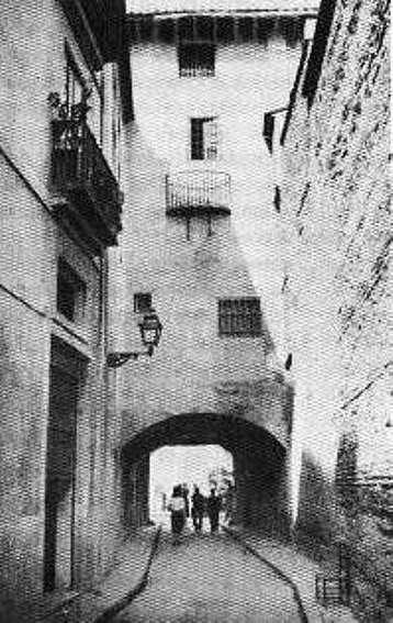 Portal de San Pablo visto desde el Instituto Luis Vives (1915). Fuente: juanansoler.blogspot.com