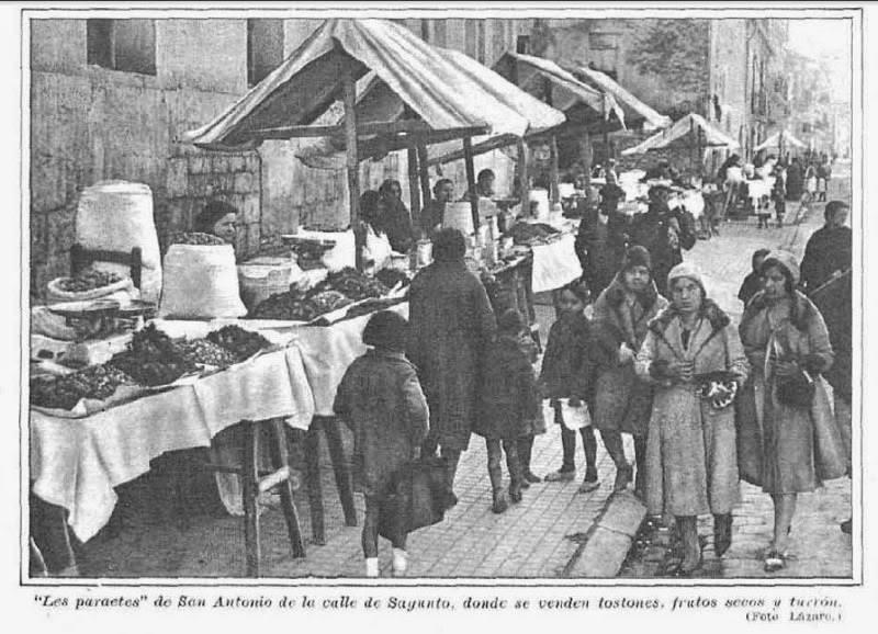 Imagen antigua del Porrat de Sant Antoni Abat en calle Sagunto Valencia, que este año no podrá celebrarse.
