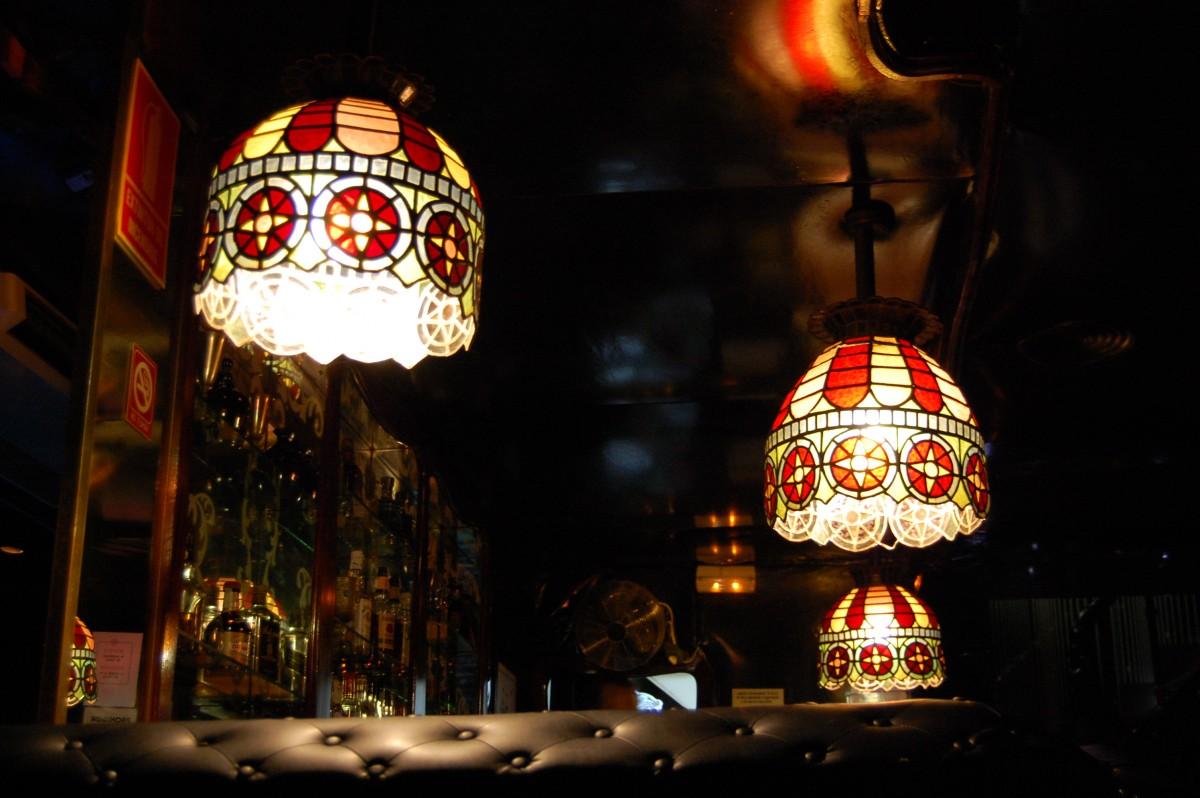 Lamparas originales de 1968. Fuente: Bountyvalencia.com