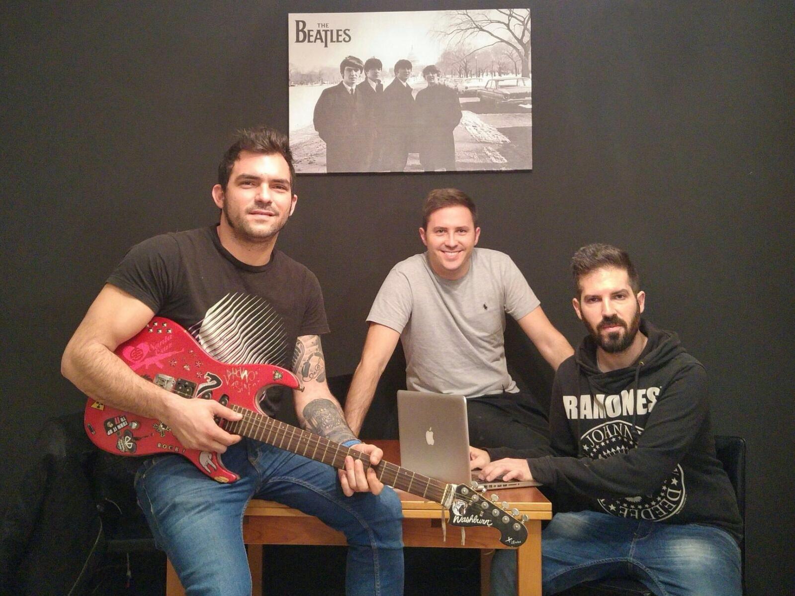 De izquierda a derecha, Sento, Alberto y Manu .