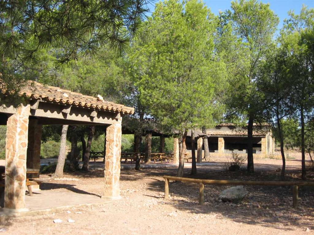 Área recreativa de Portacoeli que se encuentra en el mismo lugar que la zona de acampada. Fuente: www.agricultura.gva.es