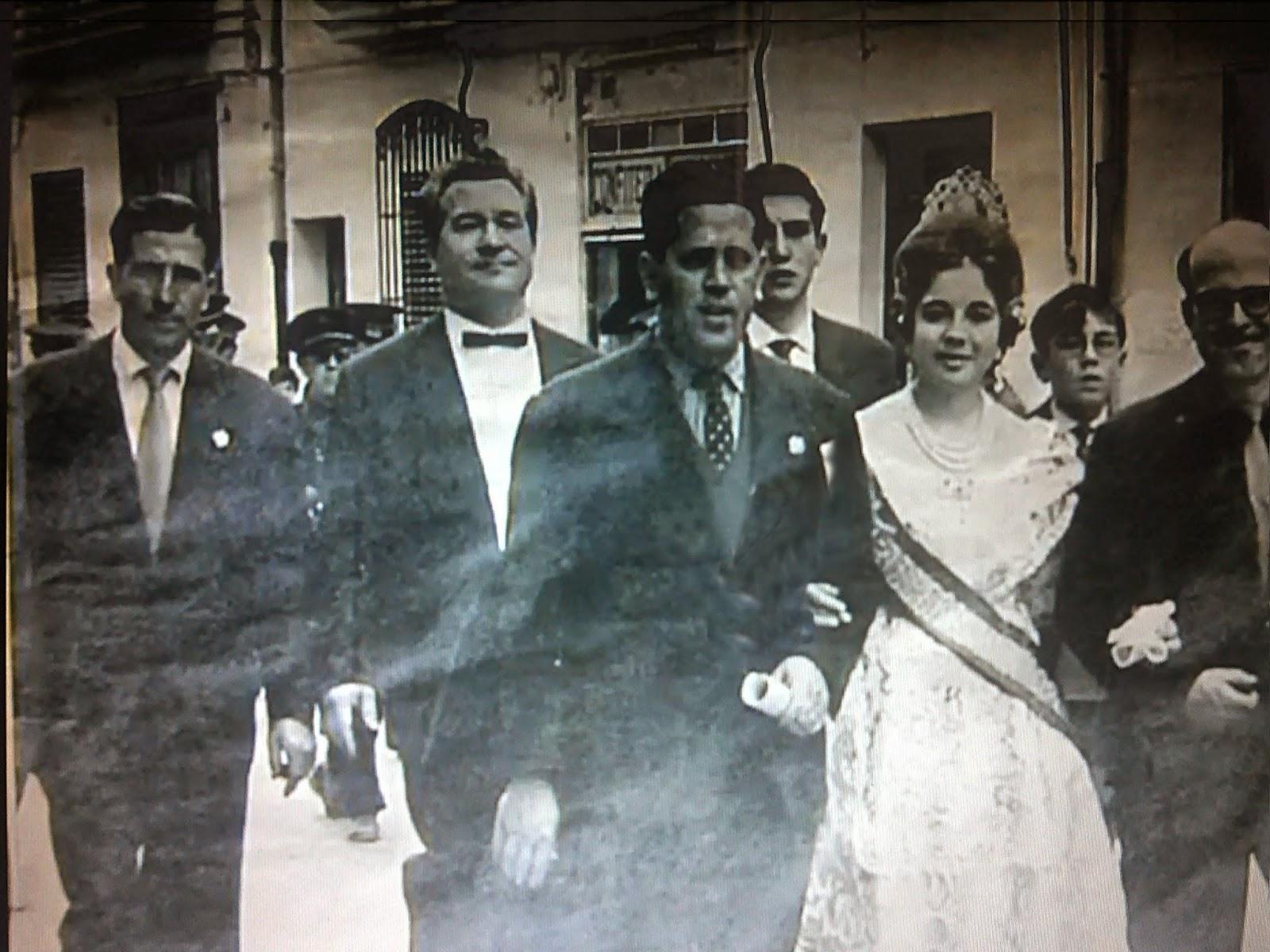 Segundo a la izquierda, nuestro protagonista. Fuente: http://jotamartinezarribas.blogspot.com.es/