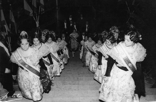 Fotos de la Crida ya en las Torres de Serranos. Año sin determinar, aunque parece ser que 1966. Fuente: diariodeunapeineta.blogspot.com