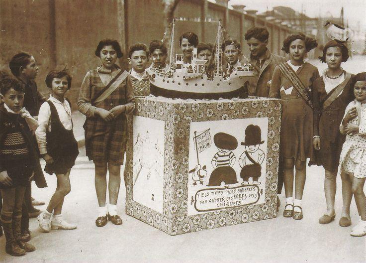 Falla infantil de 1933. En la falla aparece dibujado Colilla y su pato banderilla, que eran dos personajes que el dibujante Muro trataba para los chicos en el periódico el mercantil valenciano. Foto de Paco Dolz (Pinterest).