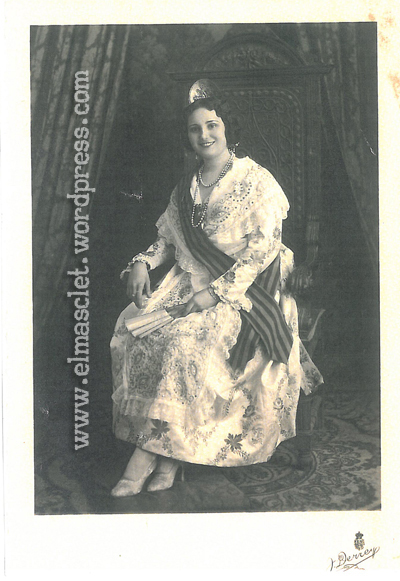 Fuente: http://elmasclet.com/2013/06/21/angeles-algarra-y-las-fallas-en-1931/