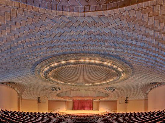 Auditorio Baird, Museo Nacional Smithsonian de Historia Natural. Washington, D.C., EE.UU. Fuente: Pinterest, epoca1.valenciaplaza.com