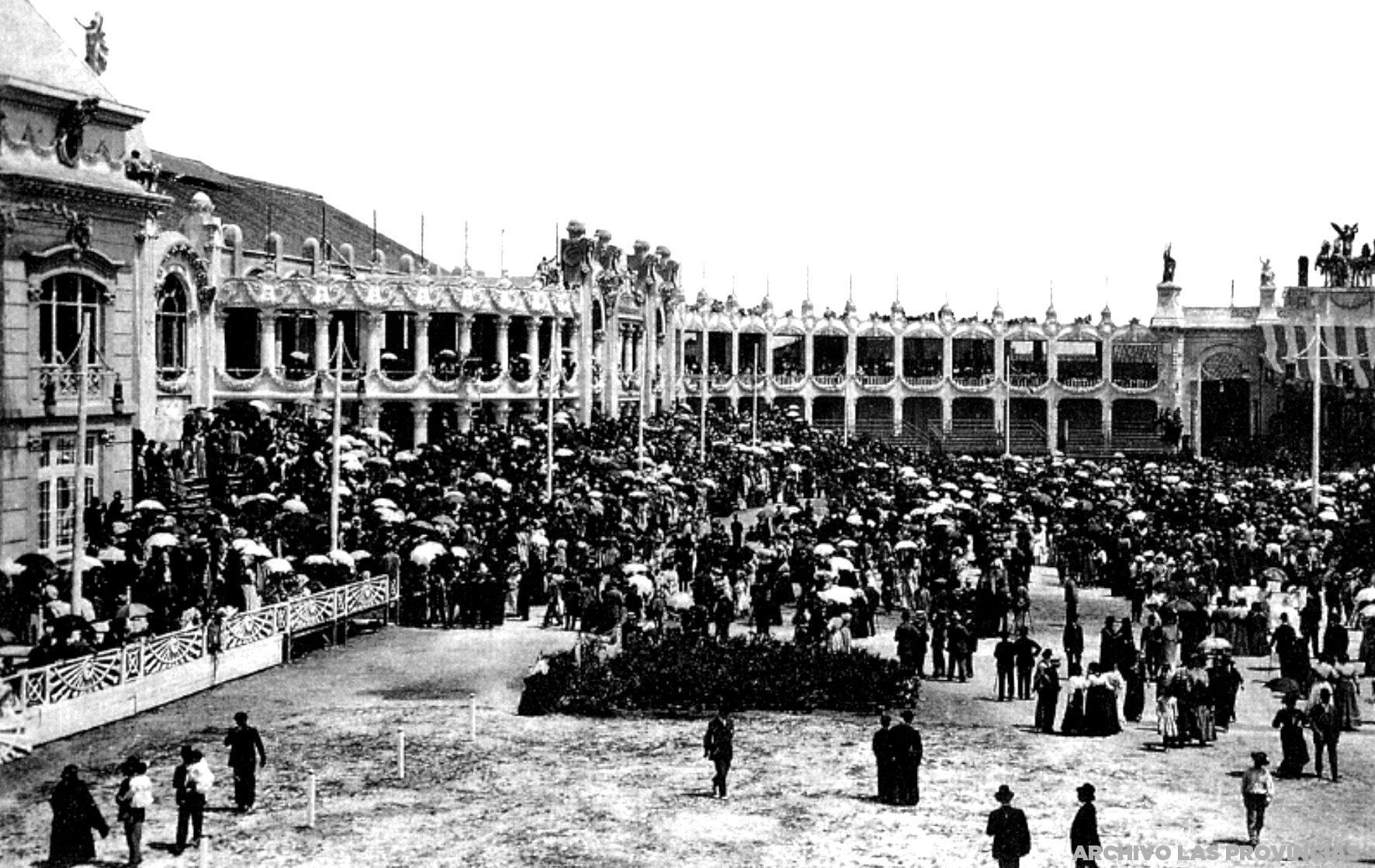 Día de la Inauguración, 22 de mayo de 1909. Fuente: Archivo digital de Las Provincias. http://valenpedia.lasprovincias.es/historia-valencia/1909/alfonso_xii_inaugura_la_exposicion