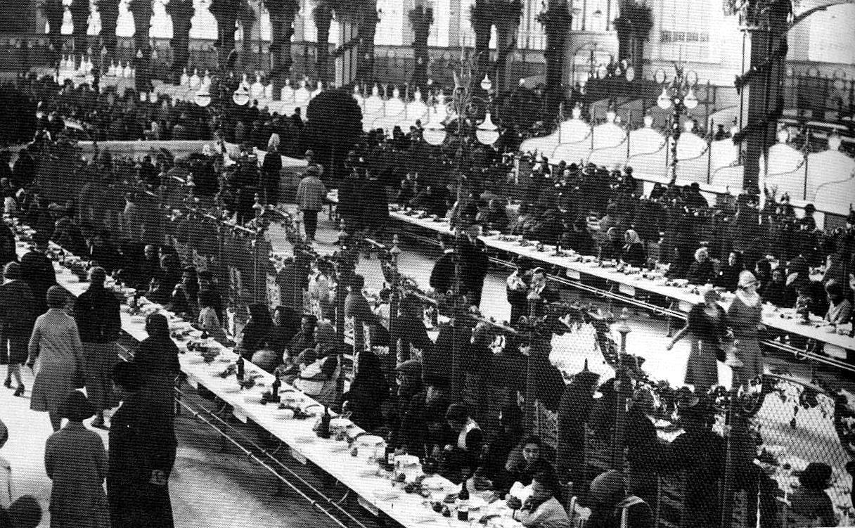 Día del acto de la comida a los pobres (23 de enero de 1928). Fuente: http://valenciablancoynegro.blogspot.com.es/