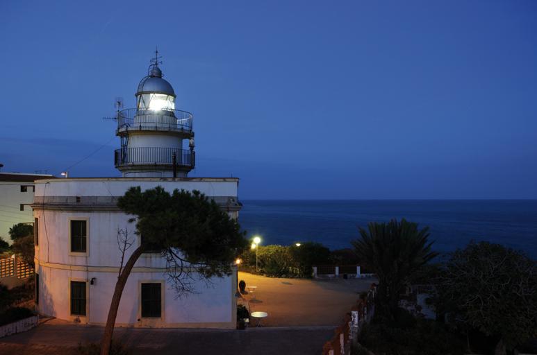 Faro de Oropesa del Mar. Fuente: comunitatvalenciana.com