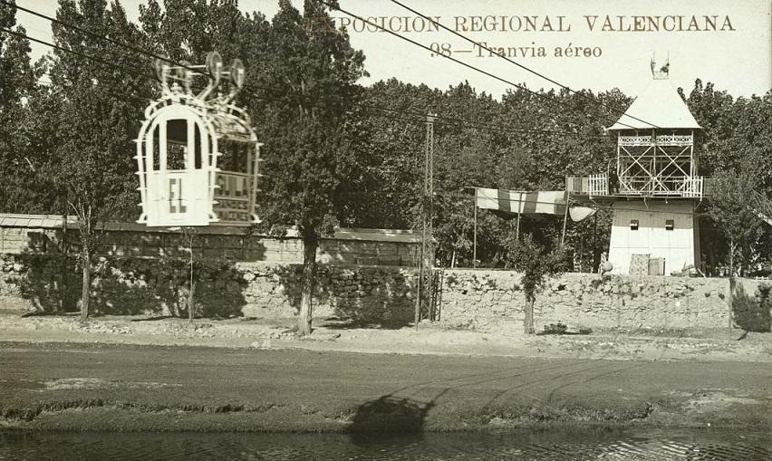 Tranvía aéreo de 1909 que cruzaba el antiguo cauce del Turia en la Exposición Regional Valenciana ; Andrés Fabert, editor fotógrafo.