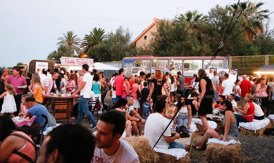 Fotografía de Solmarket Foodtrucks Festival en su primer fin de semana en El Puig.