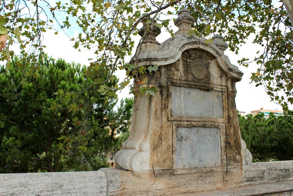 Monumento a Isis en Valencia. Fuente: © Valenciabonita.es