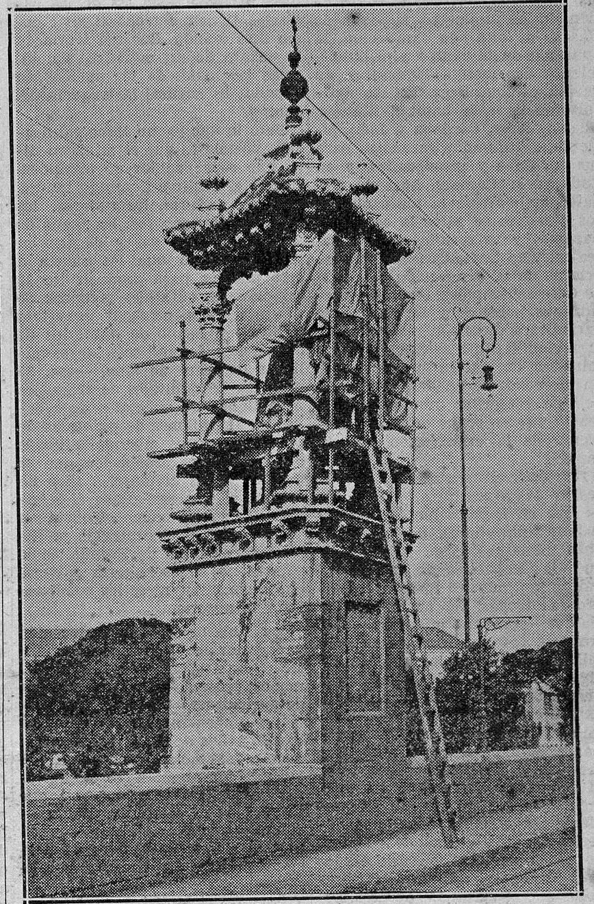 Las Provincias : diario de Valencia - 1 de septiembre de 1933. Fotografía del comienzo de los trabajos del escultor Alfredo Just.