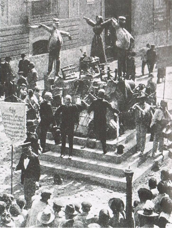 Fotografía de 1903, falla plaza de Mariano Benlliure de Valencia